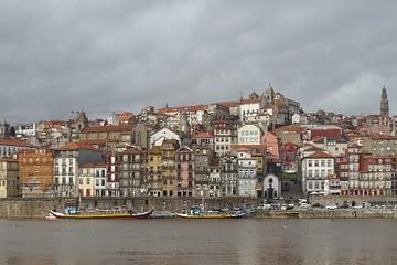 De Gaia, se avista o Porto.